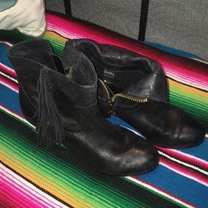 Sam Edelman black fringe Louie booties size 8.5